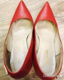 Compro Calçado feminino usado de mulheres elegantes