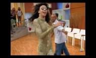 Esta drag queen bate cabelo como ninguém!