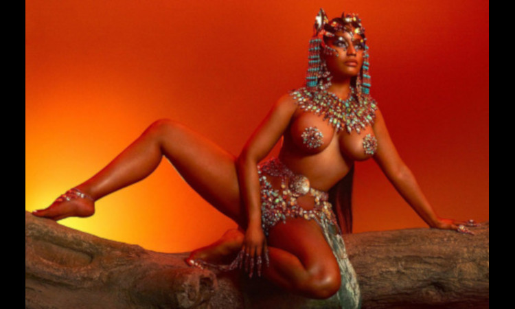 Novo vídeo de Nicki Minaj cheio de sensualidade