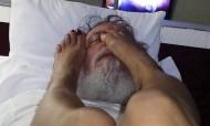 Padre filmado a fazer sexo kinky com a afilhada espiritual