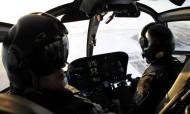 Polícia apanhado a pedir sexo oral a colega pelos altifalantes de helicóptero