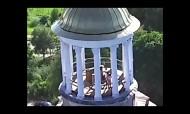 Casal apanhado a fazer sexo na torre de uma Igreja