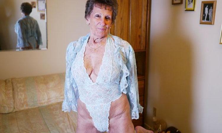 Conheça avozinha que faz filmes porno e é uma super cougar