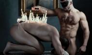Igreja Ortodoxa lança calendário sensual com padres nus